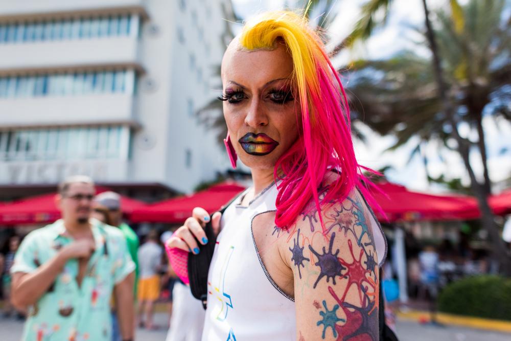 Boys-Gay-Pride-56.jpg