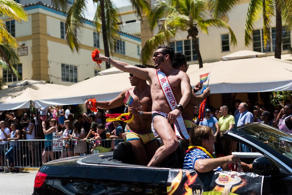 Boys-Gay-Pride-6.jpg
