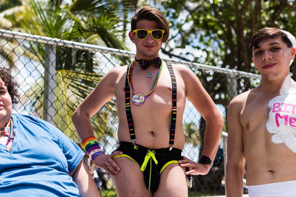 Boys-Gay-Pride-10.jpg