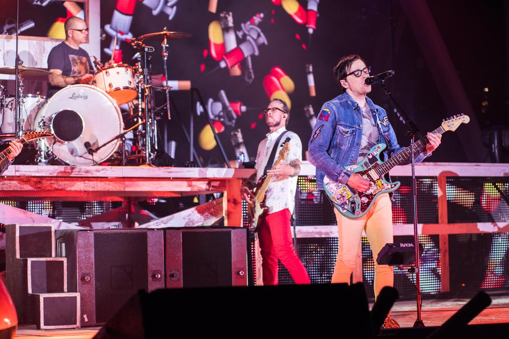 Weezer-Panic-64.jpg