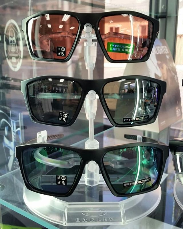 New Arrivals from @oakley and re stocked on the classics! Swipe left to 👀 the new new! 1st Image - Target Line  2nd Image - Split Time Plenty of Polarized and Prizm lens options in the mix!  #oakley #oakleysunglasses #boardofprovo