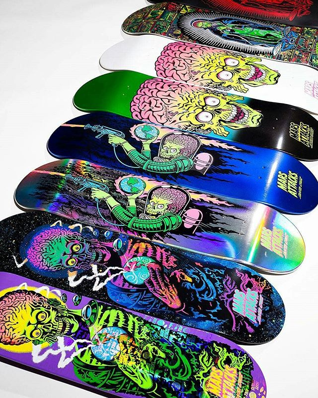 """👾THE MARTIANS  LAND TOMORROW👽 @santacruzskateboards x  Mars Attacks x @topps  Each 8.25""""x31.8"""" deck will come in a sealed blind bag, and feature a randomly assorted variant graphic! 9 different mystery variants, 1 special variant is printed with Martian meteorite infused ink 😲 (only 250 worldwide), plus an edition of 50 custom 1 of a kind artist series individually hand crafted by 50 different artists will be thrown into the mix! All for the surprise of the owner to open up!"""