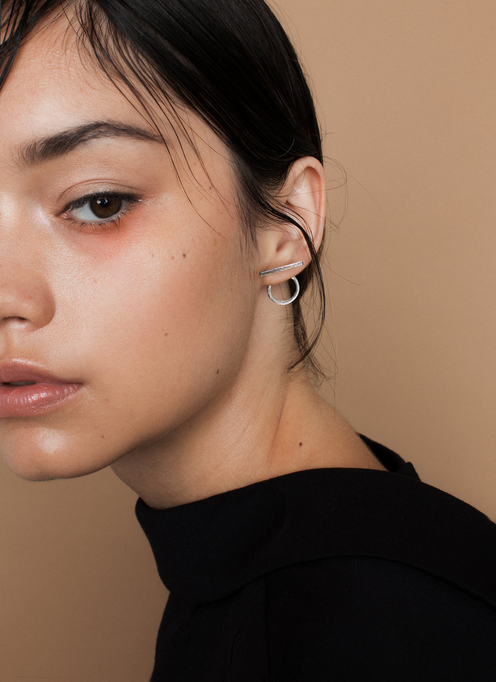 I+and+O+minimal+earrings+mid.jpg