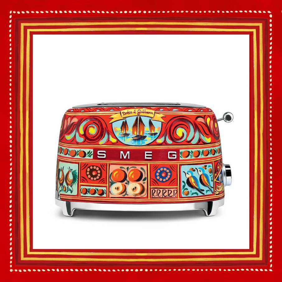 dolce-gabbana-a-line-of-kitchen-appliances-decorated-with-sicilian-motifs-08.jpg