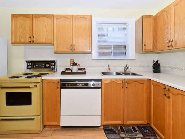 mls kitchen.jpg