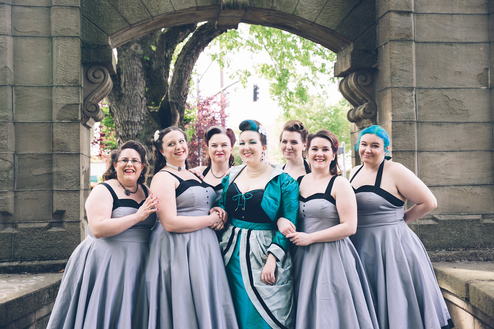 Kathryn and bridal party  Photographer:  Myles Katherine Photography