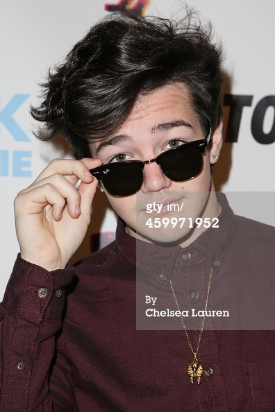 459971952-aaron-carpenter-arrives-at-digitour-presents-gettyimages.jpg
