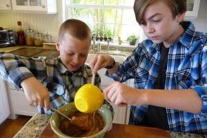 Cookie-Boys-Stirring