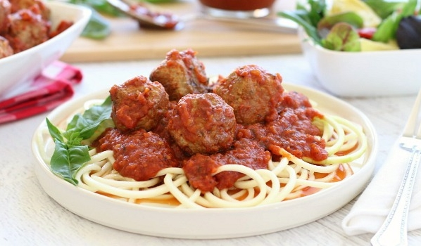 This easy  Slow Cooker Meatballs with Marinara Sauce  recipe makes a healthy & Delicious weeknight dinner. Plus, it makes a boatload of extra sauce that can be used to make even more quick-n-Easy, family-friendly meals!