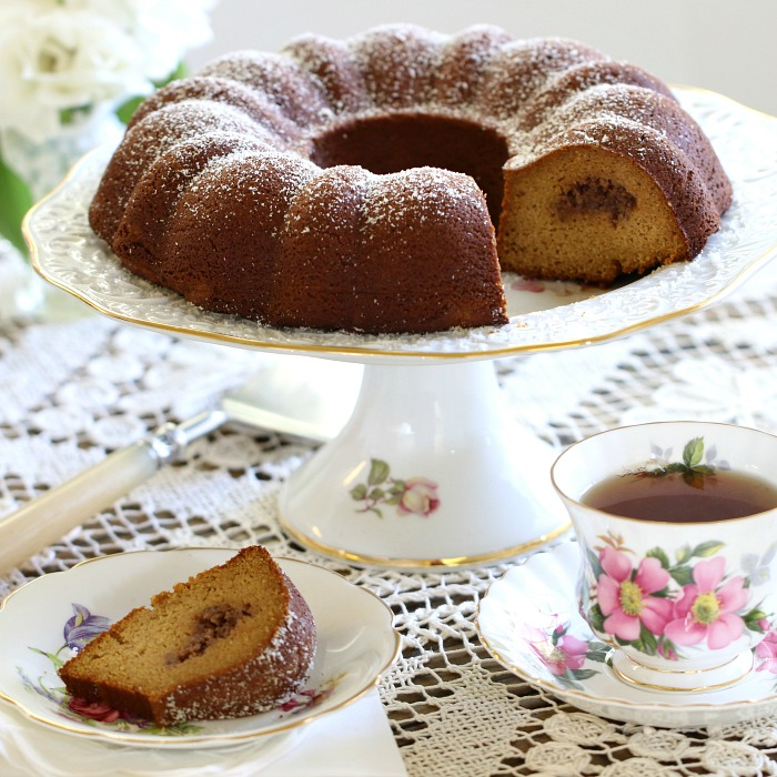 Pumpkin-Praline-Bundt-Cake-Slice.jpg