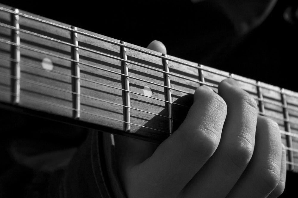 left handed guitar fretboard