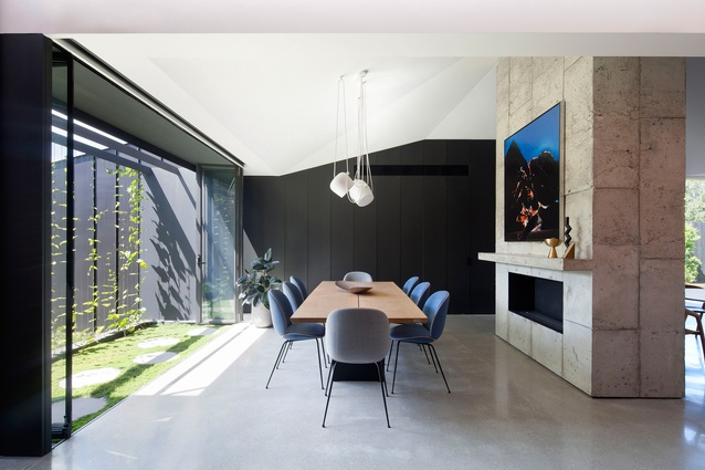 Shadow House by  Matt Gibson Architecture+Design , image courtesy of   ArchitectureAU