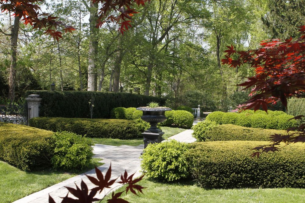 The Garden Is Characterized By Its Florentine Influence, Featuring  Reproductions Of Italian Statuary From Loganu0027s ...