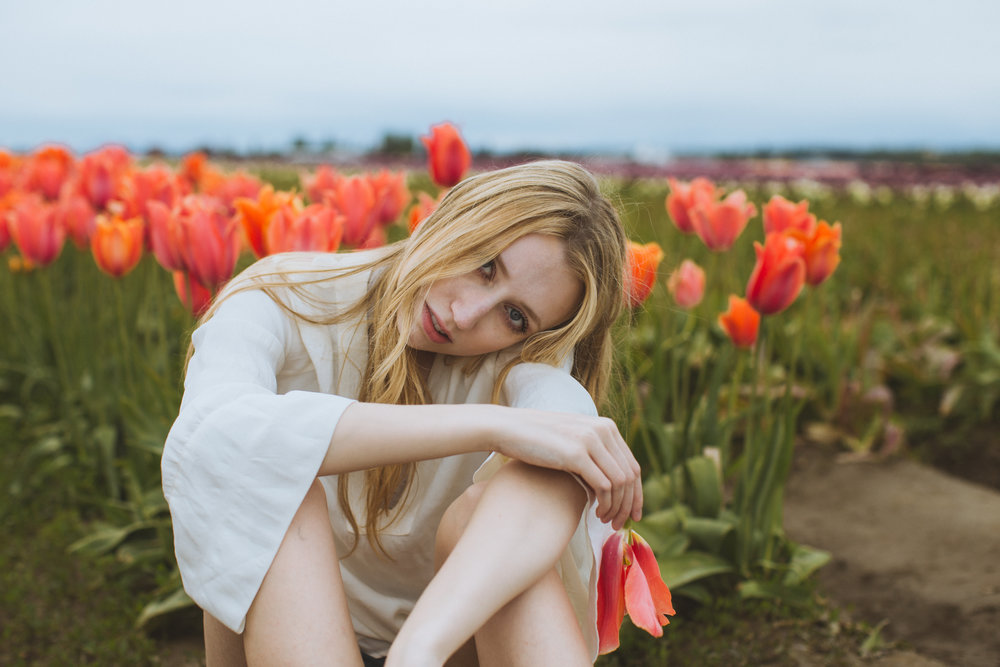gwyneth + tulips -