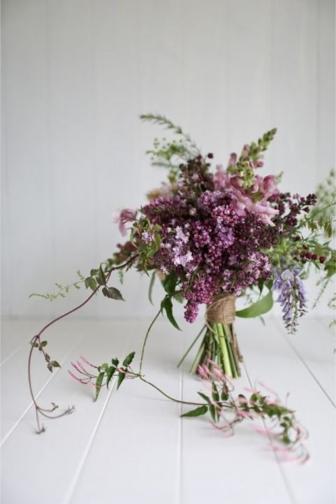 http://thelane.com/Style-Guide/style-elements/flowers/lilacs