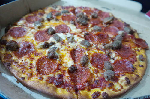 eatdrinklagos dominos pizza-1.jpg