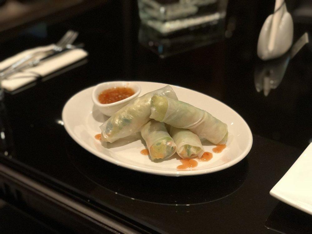 NOIR Vietnamese Fresh Roll Zoomed.jpg