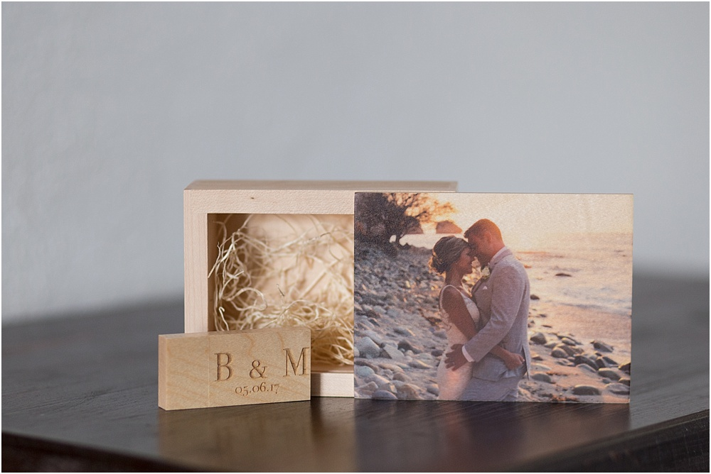 wood-box-usb-wedding-photos-jackielamas.jpg