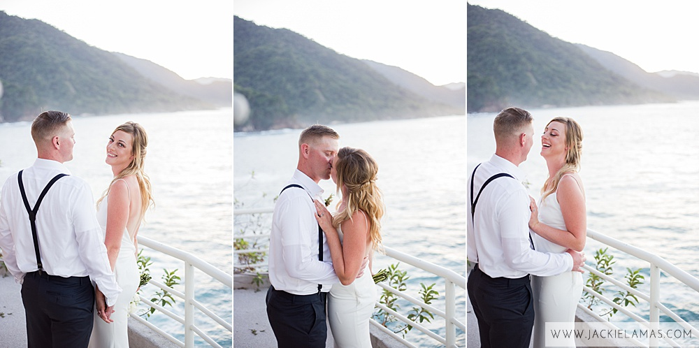This wedding was held at  Le Kliff  in Puerto Vallarta. A small and intimate restaurant overlooking the ocean.