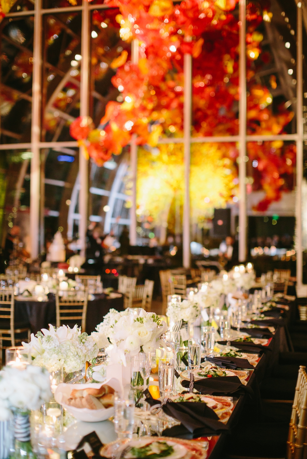 seattle_wedding_photographer_chihuli_garden_and_glass 36.jpg
