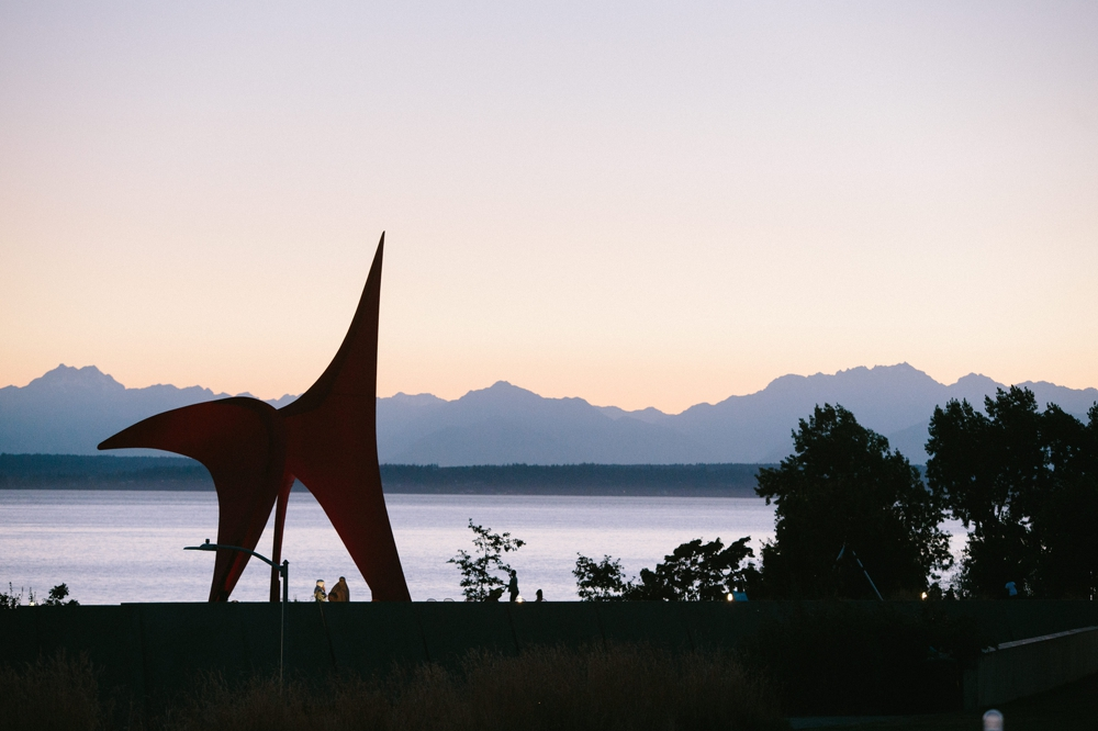 seattle_wedding_photographer_Olympic_sculpture_park 62.jpg