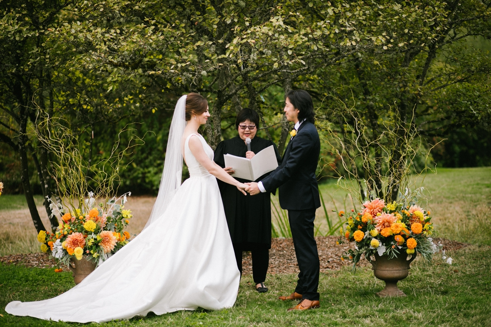 seattle_center_for_urban_horticulture_wedding_photographer 24.jpg