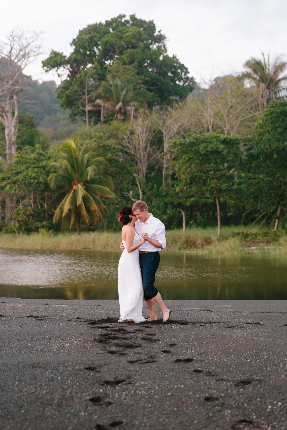 tropical-costa-rican-wedding-photographer 48.jpg