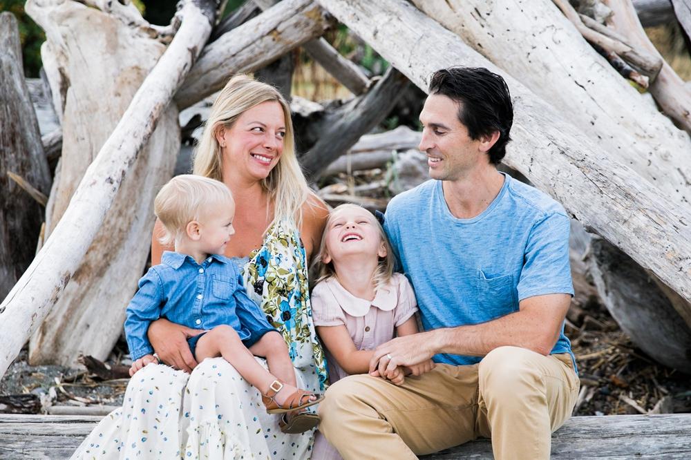 seattle-beach-family-lifestyle-photographer 1.jpg