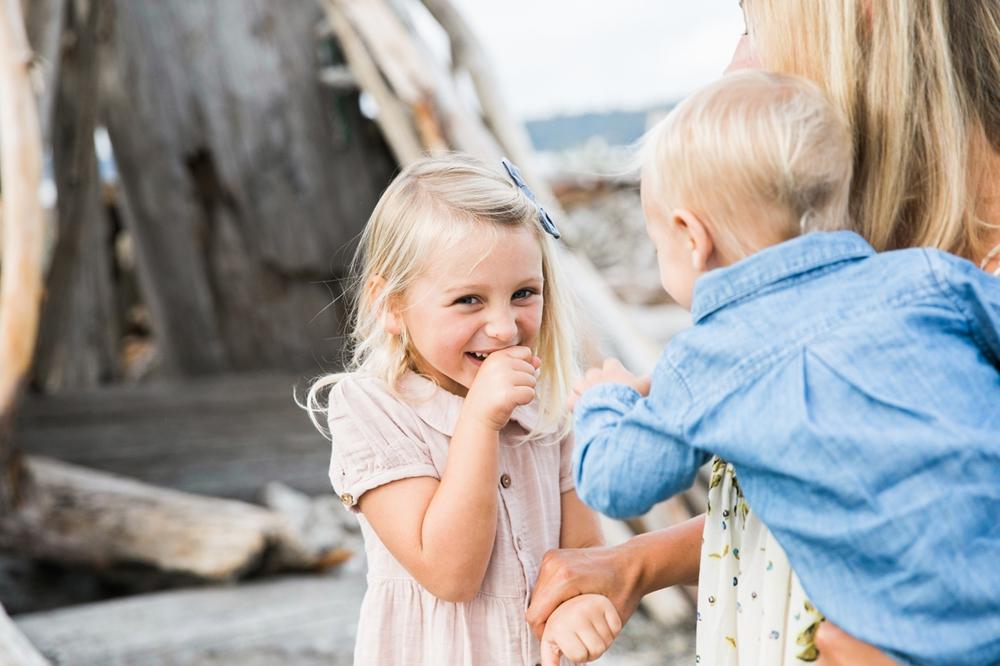 seattle-beach-family-lifestyle-photographer 10.jpg
