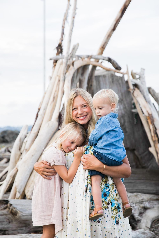 seattle-beach-family-lifestyle-photographer 9.jpg