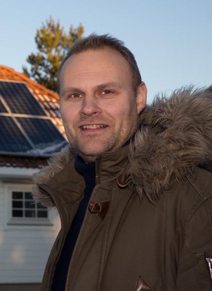 Vil krympe kundenes strømregninger:  Inge Michael Bilet hos Fredrikstad EnergiSalg mener mange kan spare mye ved å bruke den nye appen til å endre kostbare strømvaner.