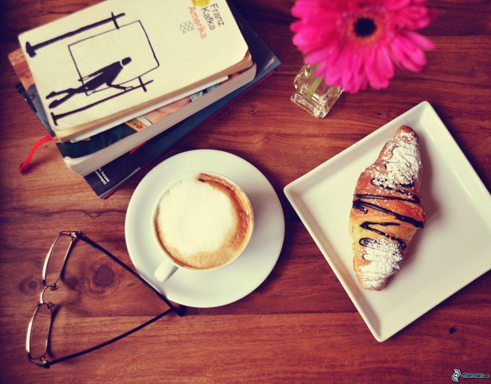 IlL CAFFE' LETTERARIO   Un libro per dessert.