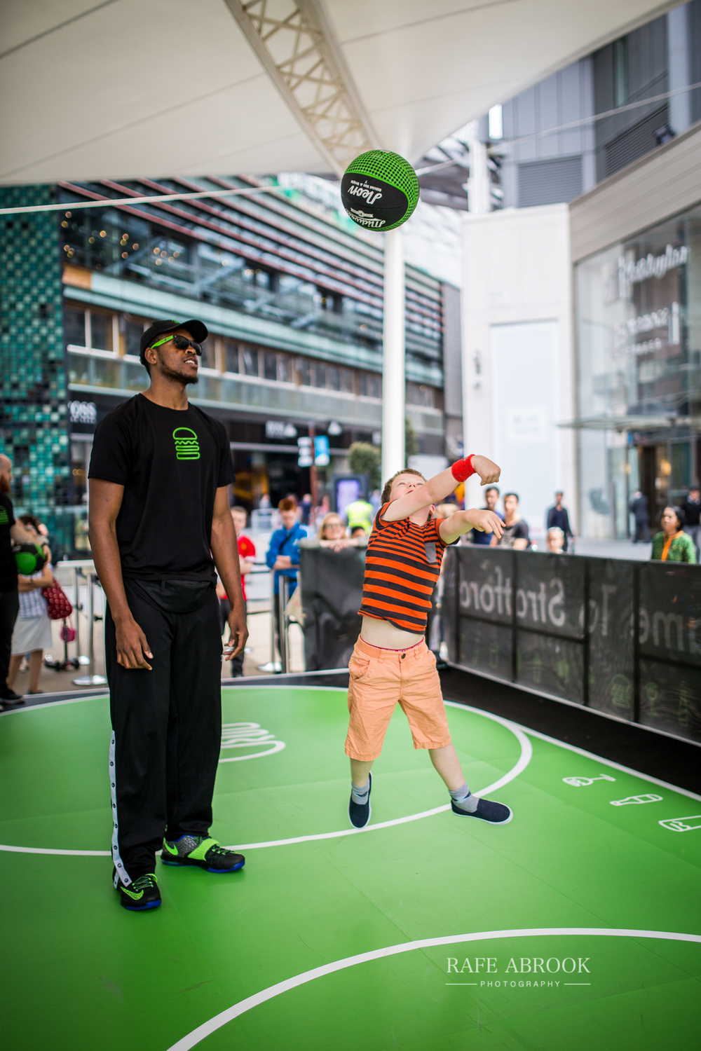 shake shack uk westfield stratford london experiential basketball-1022.jpg