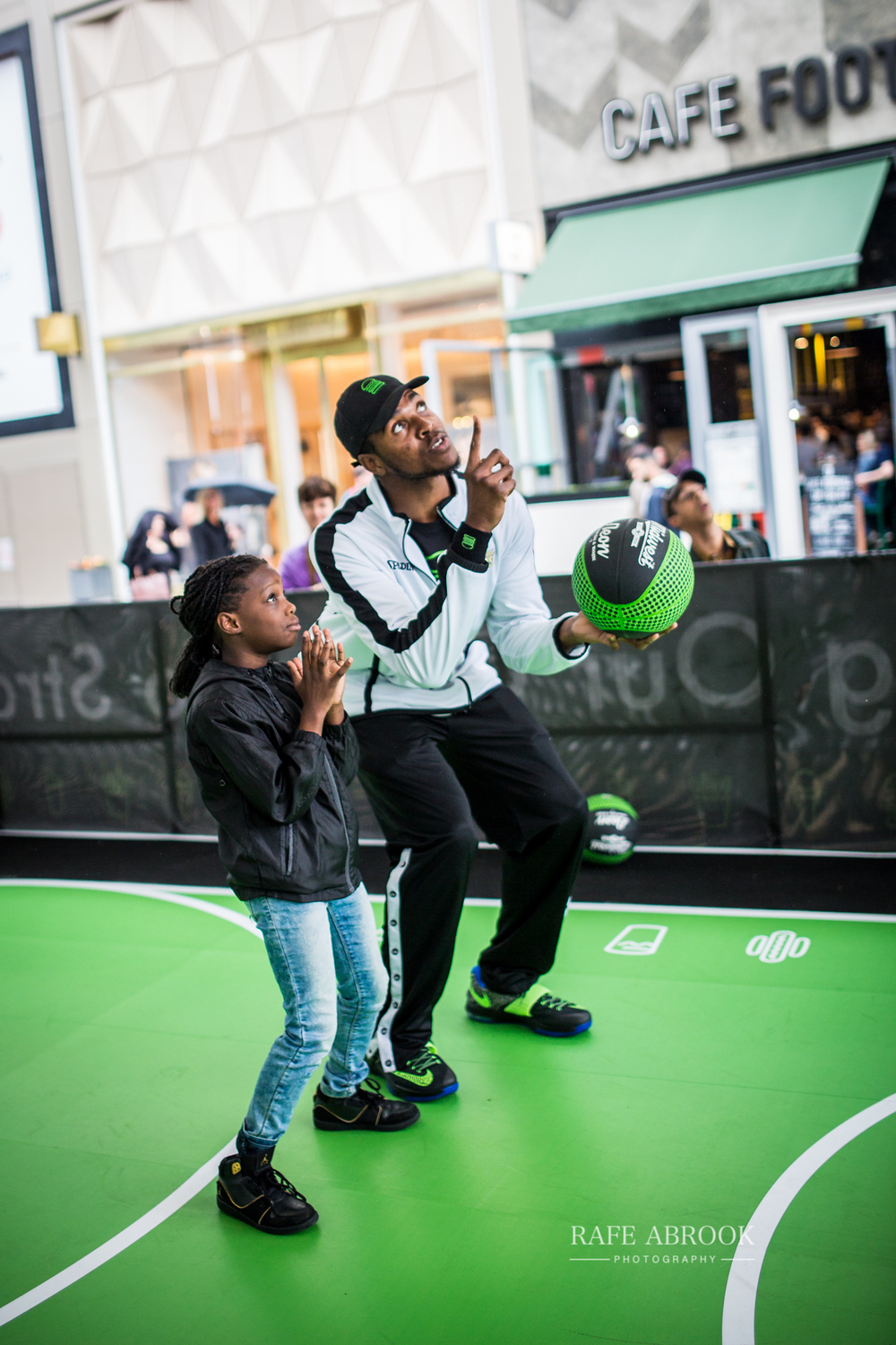 shake shack uk westfield stratford london experiential basketball-1202.jpg