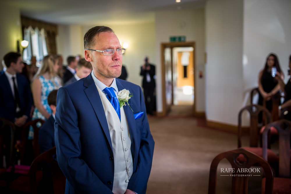 agnes & laurence wedding kings lodge hotel kings langley hertfordshire-1103.jpg