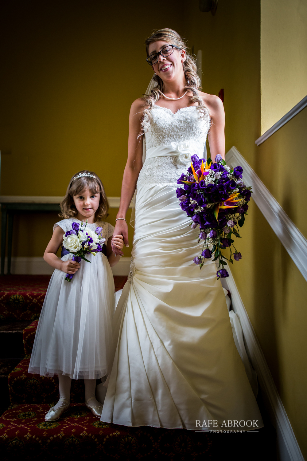 wedding photographer hertfordshire hitchin priory wedding-1031.jpg