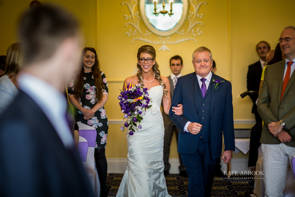 wedding photographer hertfordshire hitchin priory wedding-1035.jpg