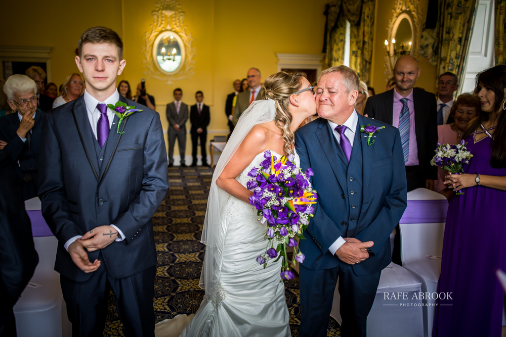 wedding photographer hertfordshire hitchin priory wedding-1037.jpg