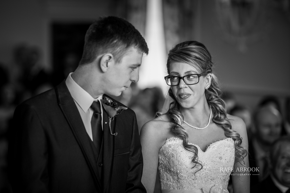 wedding photographer hertfordshire hitchin priory wedding-1038.jpg