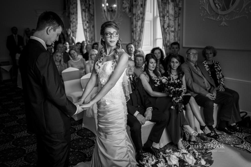 wedding photographer hertfordshire hitchin priory wedding-1040.jpg
