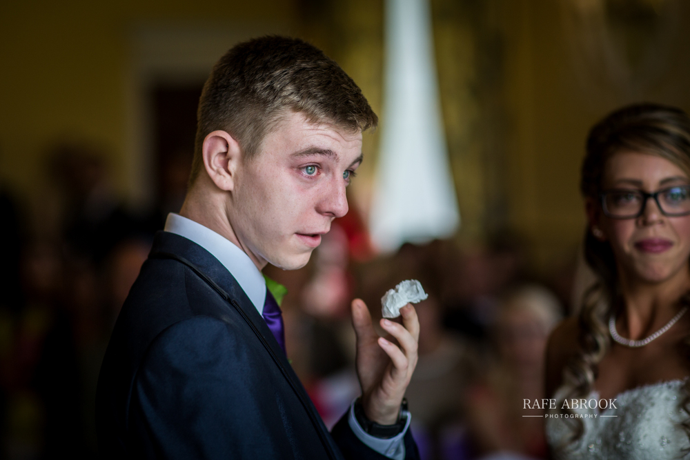 wedding photographer hertfordshire hitchin priory wedding-1041.jpg