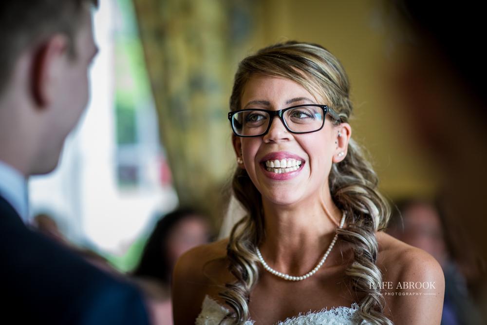 wedding photographer hertfordshire hitchin priory wedding-1042.jpg