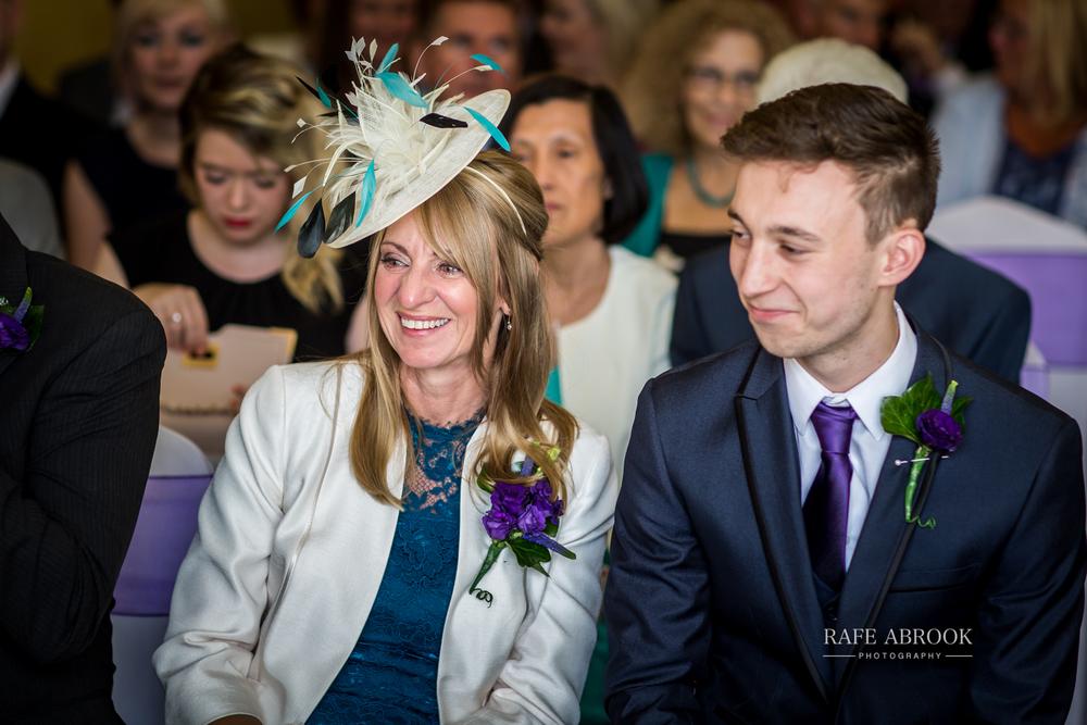 wedding photographer hertfordshire hitchin priory wedding-1044.jpg