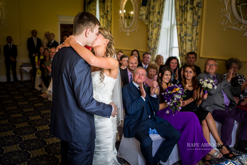 wedding photographer hertfordshire hitchin priory wedding-1045.jpg