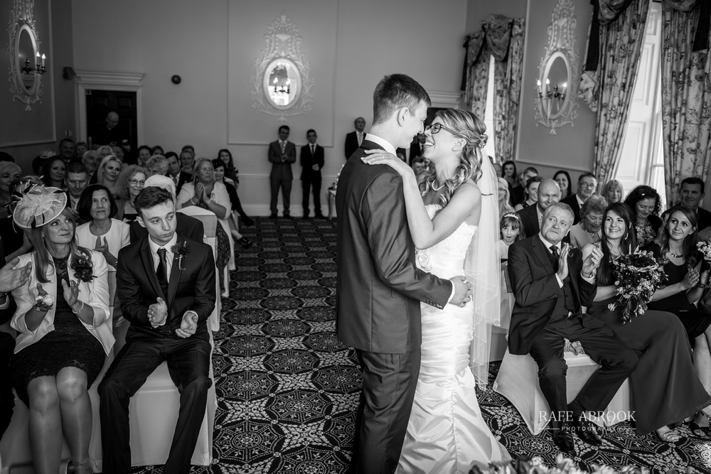 wedding photographer hertfordshire hitchin priory wedding-1046.jpg