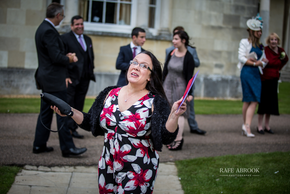 wedding photographer hertfordshire hitchin priory wedding-1062.jpg