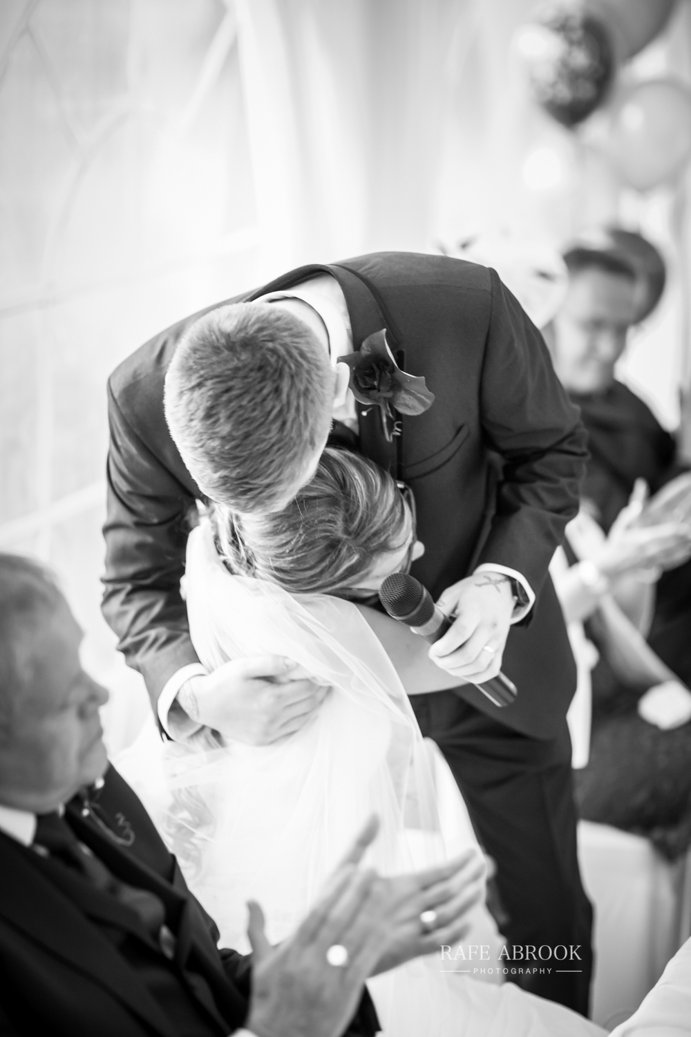 wedding photographer hertfordshire hitchin priory wedding-1078.jpg