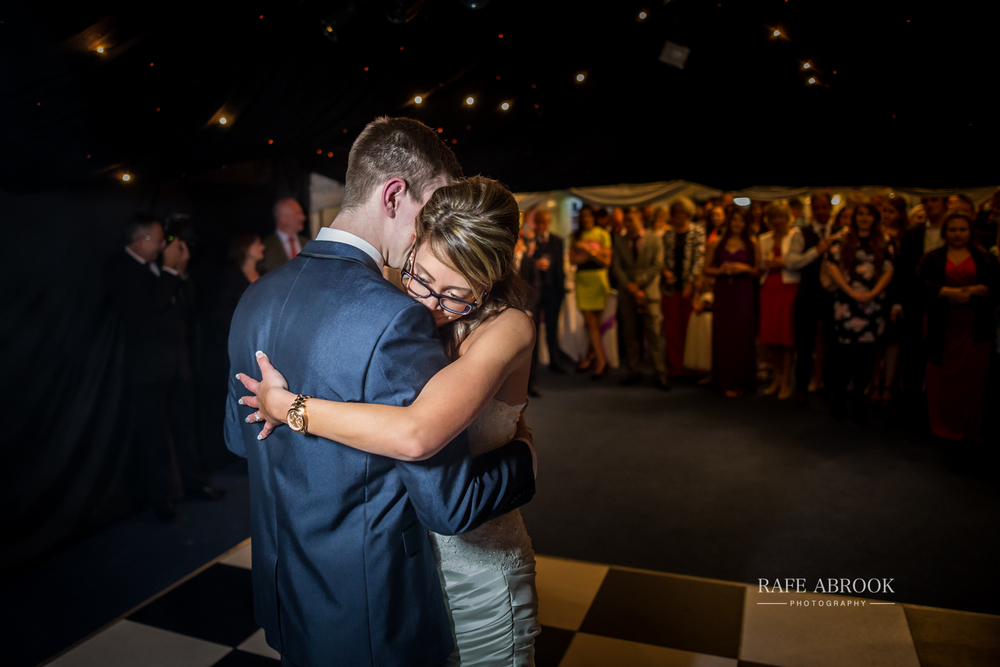 wedding photographer hertfordshire hitchin priory wedding-1088.jpg