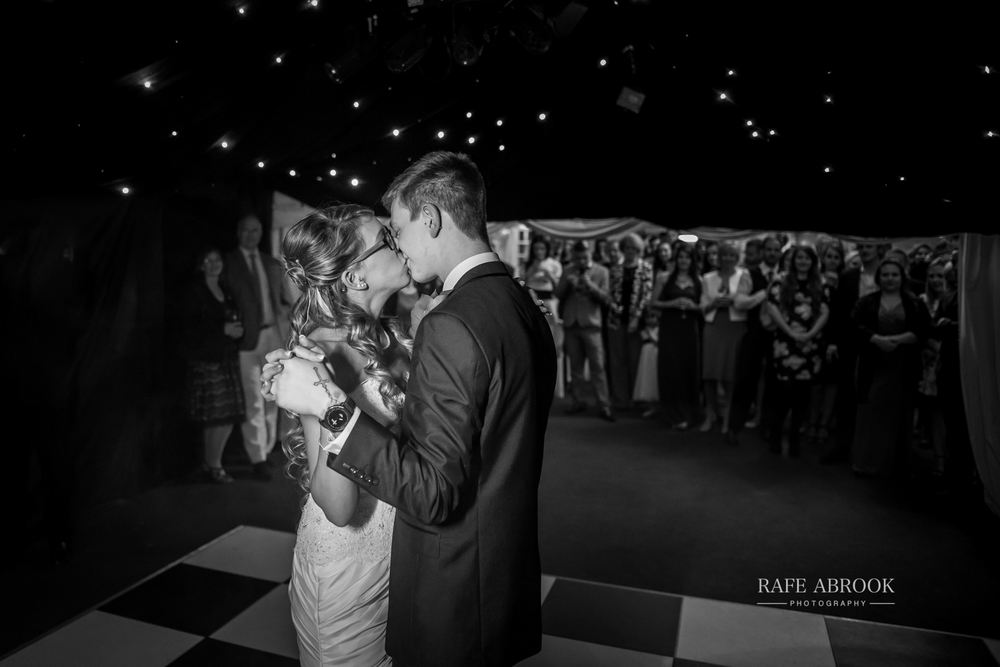 wedding photographer hertfordshire hitchin priory wedding-1089.jpg