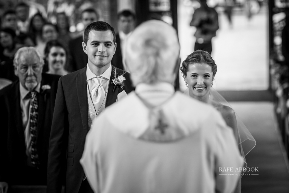 bassmead manor barns st neots cambridgeshire hertfordshire wedding photographer-1042.jpg